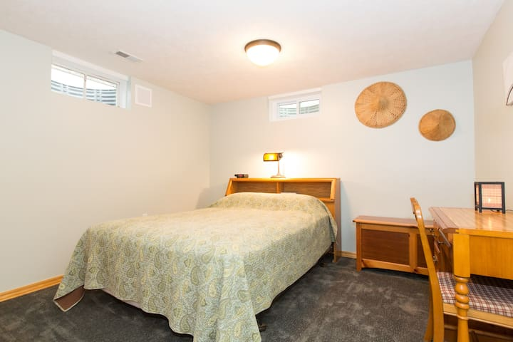 1 Bedroom Private Suite Guest Suites For Rent In Omaha Nebraska United States