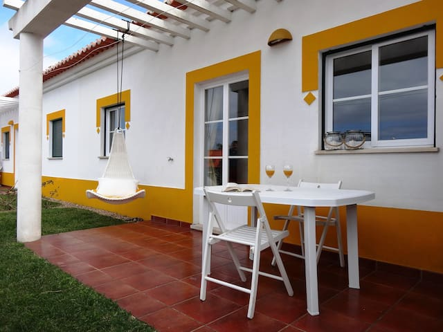 Typical cottage @ 3 min from Vicentine Coast beach - Santiago do Cacém - Apartemen