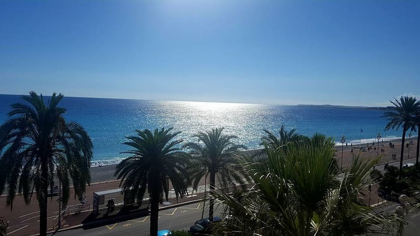 Comfortable room in a beachfront apartment - Nizza - Appartamento