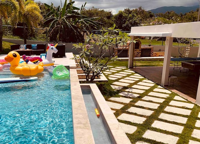 #LuquilloPoolHouse | 4 Bedrooms w. Private Pool