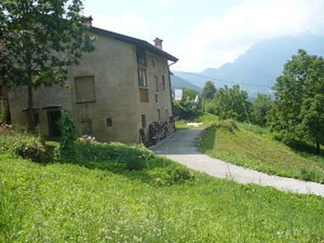 House 7 peop hamlet quiet in Veneto - Posina - House
