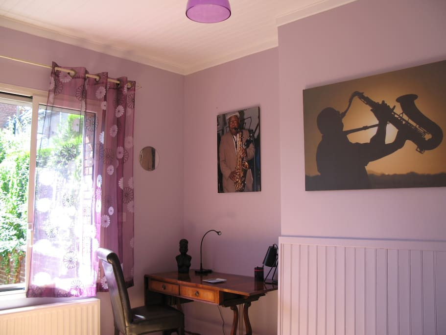 chez mitzou chambre d 39 h tes jazz bed and breakfasts for rent in amiens picardy france. Black Bedroom Furniture Sets. Home Design Ideas