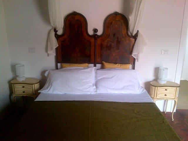 suite con terrazza e vista  - Santu Lussurgiu - Oda + Kahvaltı