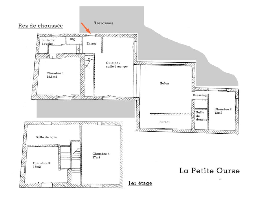 The studio (chambre 1) is just on the right when you enter the house, at the end of a little corridor. It is well separated from the rest of the house, so that you can have calm and privacy. The total guest space is 25m2.