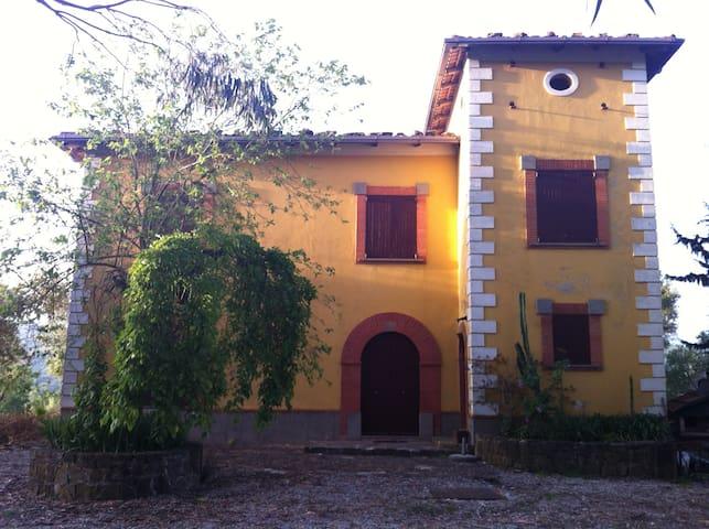 Casale di campagna con cavalli - Rutino - Villa