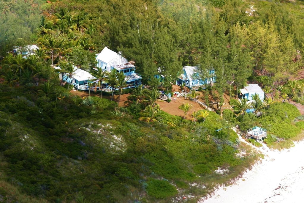 7 cottages right on the beach