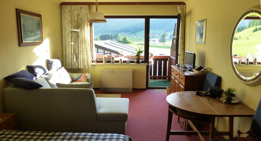 Gosau Apartment for 2: Pool, Sauna - Gosau - Apartamento