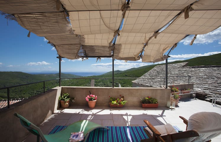 Chambres d'hotes,  vue mer, Corse