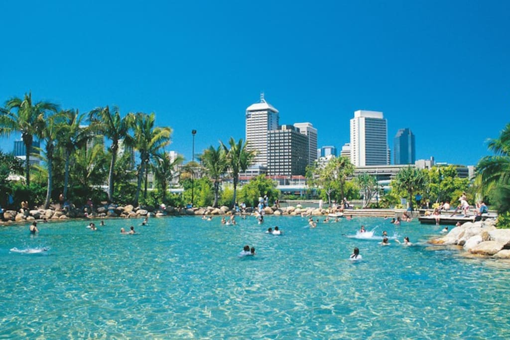 Stroll to Southbank parklands for a swim (day or night), BBQ, picnic, ice cream & so much more.