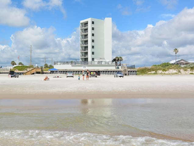 Ocean Trillium Condo - One bedroom -2 Queen Bed(2)
