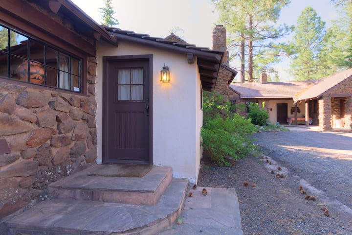 The Hide-Away at Colton House, Sleeps 3