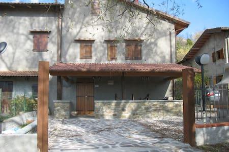 Originale terratetto nel silenzio - Pietramala