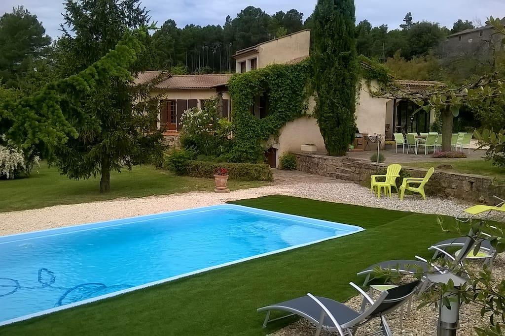 Maison individuelle avec piscine en c vennes houses for for Camping en languedoc roussillon avec piscine