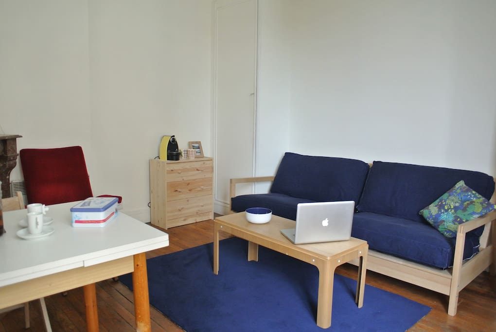 canapé lit permettant d'accueillir 2 personnes supplémentaires