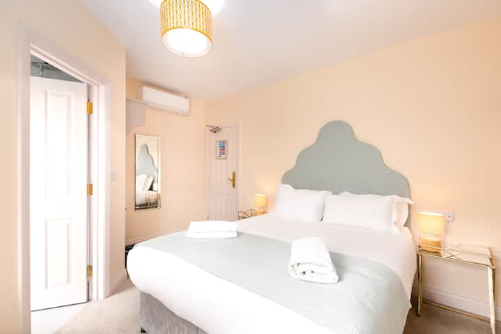 Boutique B&B located in the heart of Salisbury