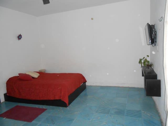 Cómoda y tranquila habitación - Mérida - House