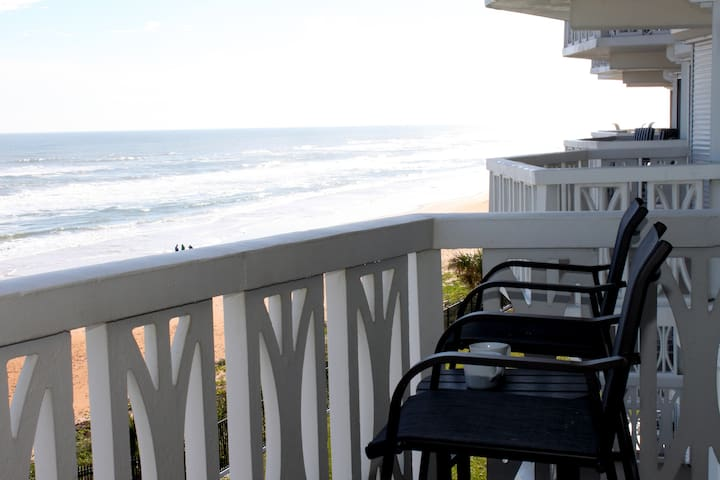 Oceanfront Updated Balcony Parking Great View Pool