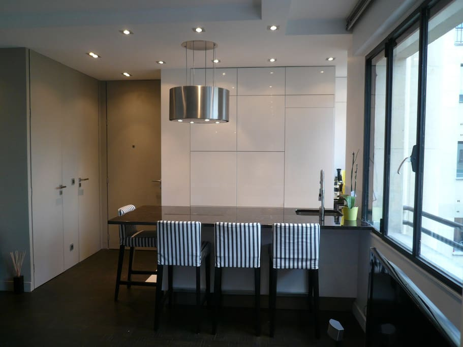 Kitchen/ Dining room