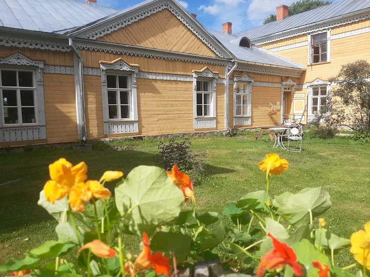 A simple apartment in Sänna Manor