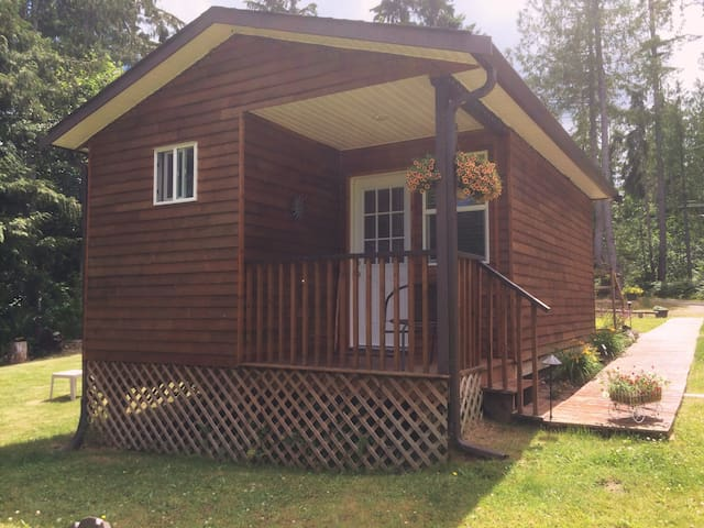 Peaceful Cottage country Cottages!  - Qualicum Beach - Chalet