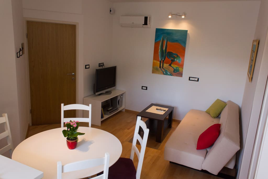 living room with full size sofa/additional bed 140/200cm