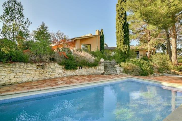 Maison d'architecte climatisée proche d'Avignon
