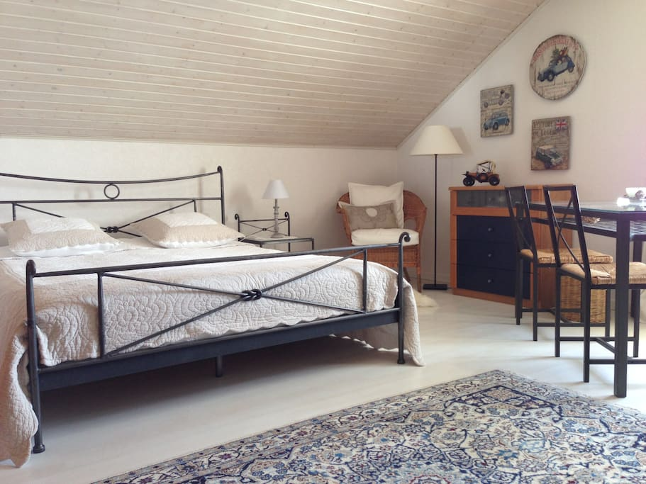 Large lovely room 15mn drive gva maisons louer for Chambre a louer gex