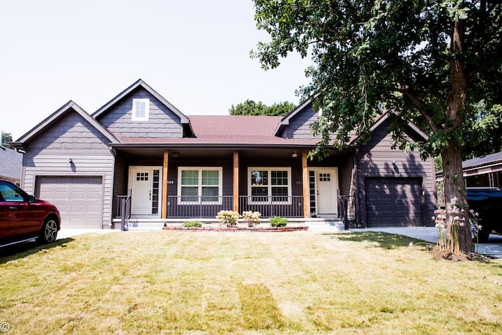 Newly built private 3br/2ba duplex in Midtown