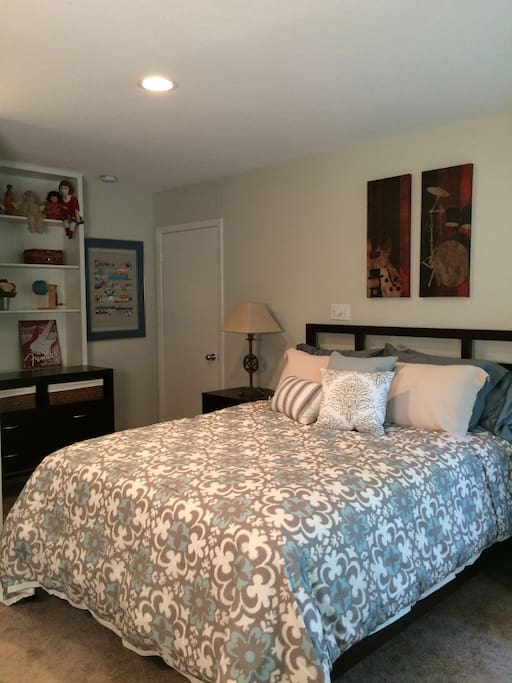 Comfortable queen bed, lots of drawer/closet space