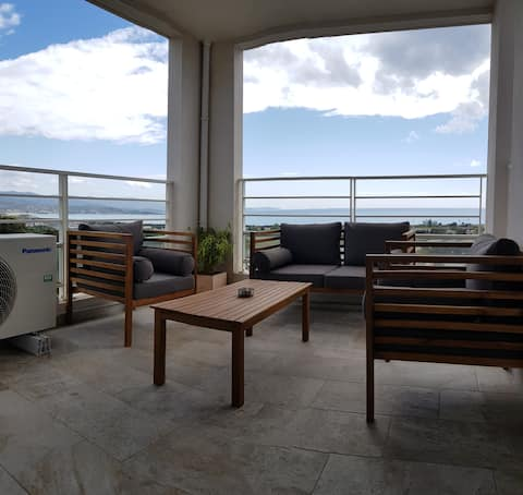 Large T2 New Top Floor Air Conditioning - SEA VIEW