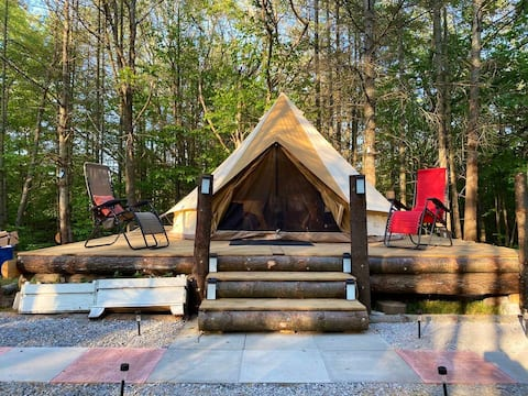 Hilltop Glamorous Camping in quiet secluded woods