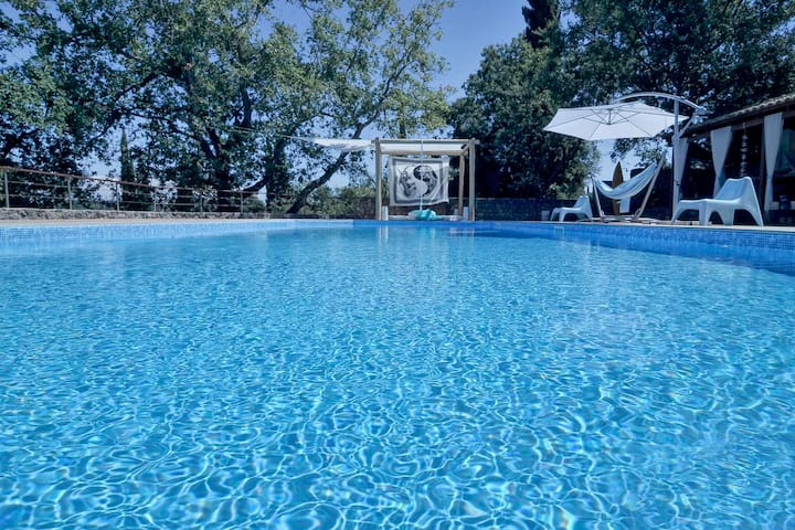 Exceptional family villa with swimming pool