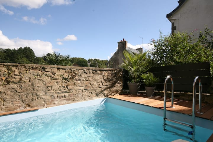 Luxurious Villa in Pont-Aven with Private Pool
