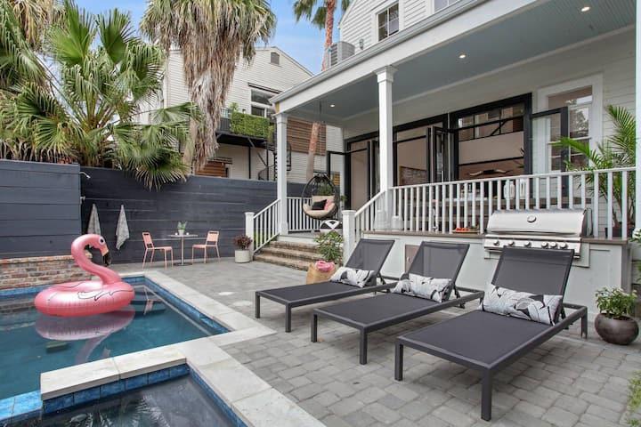 Cosmopolitan Designer Home with Pool | on Magazine