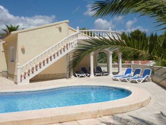 Villa d'Alfaz, Alfaz del Pi, Spanje - Costa Blanca - l'Alfàs del Pi - Villa