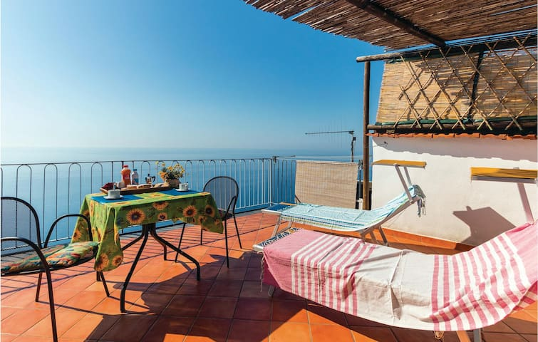 Holiday apartment with 1 bedroom on 35 m² in Furore SA