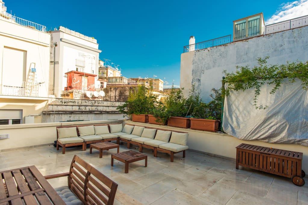 terrazza con lettini