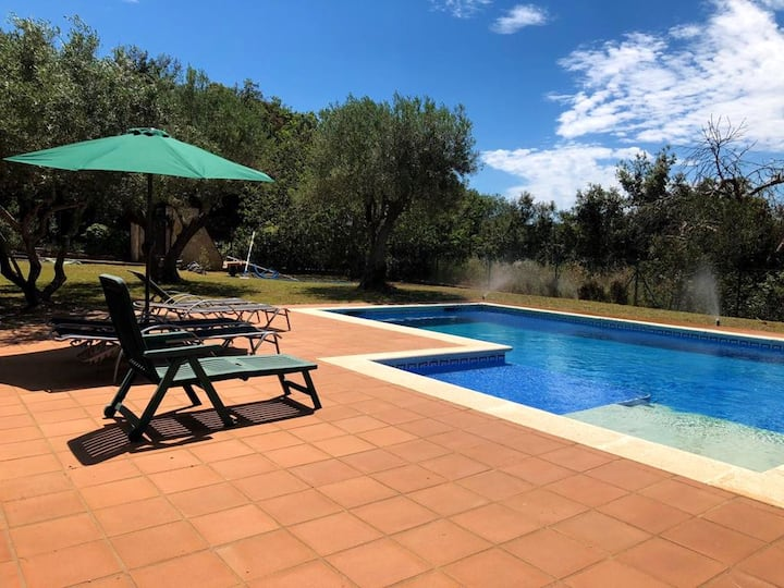 Villa with 3 bedrooms in Girona, with wonderful mountain view, private pool, enclosed garden - 6 km from the beach