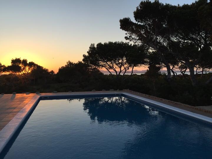 Villa con piscina e vista mare/Ibiza. ET 4128