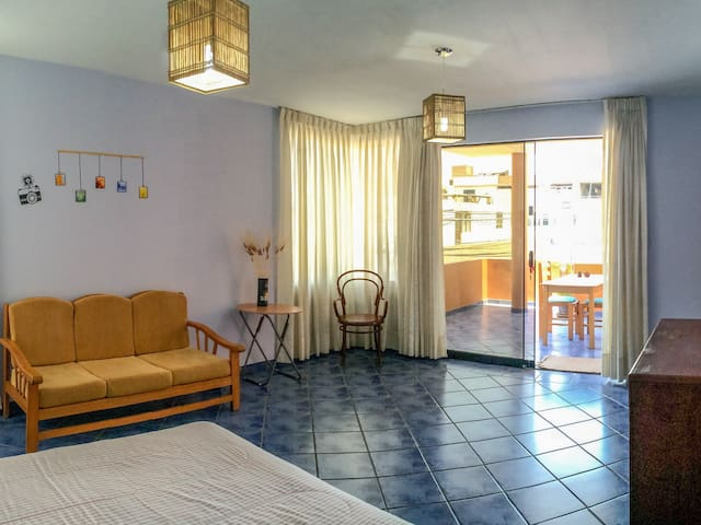 Spacious room with balcony - Huanchaco - Hus
