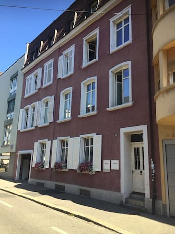 Great location in Grossbasel close to everything.