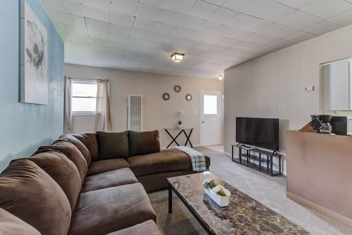 ★ Cozy, Private 1-Bedroom in Hayward ★