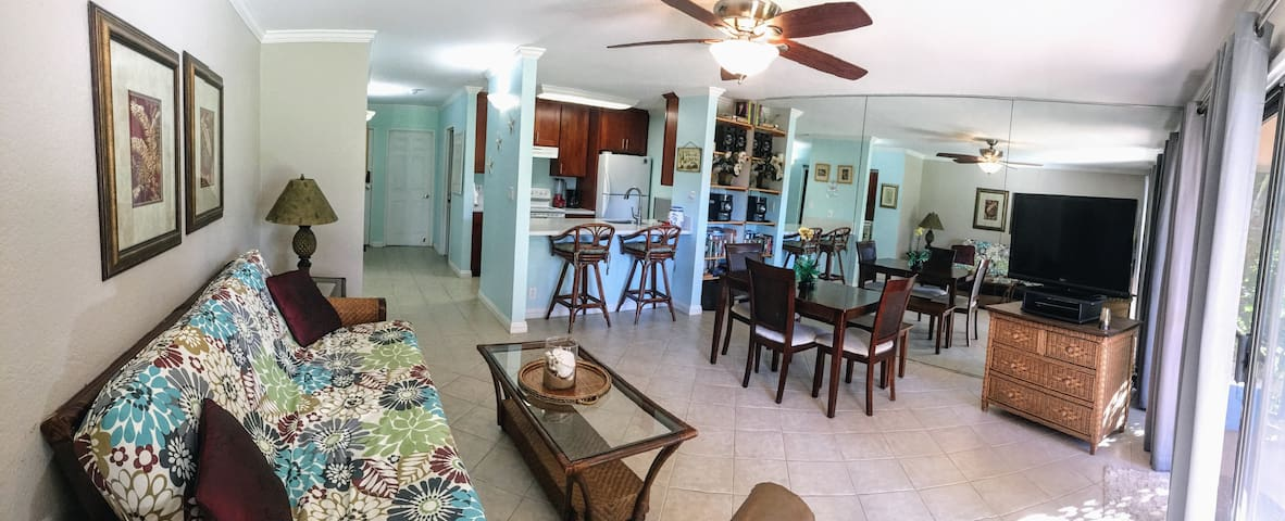 Maui condo.  Walk to beach/restaurants/shops