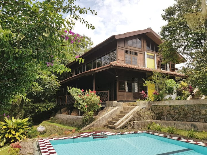 Villa Adithree (d/a Nabila) at Cibulan, Puncak