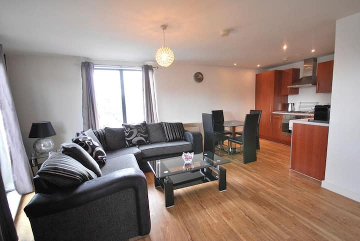 2 Bed City Centre Terrace Apartment - Sleeps 6