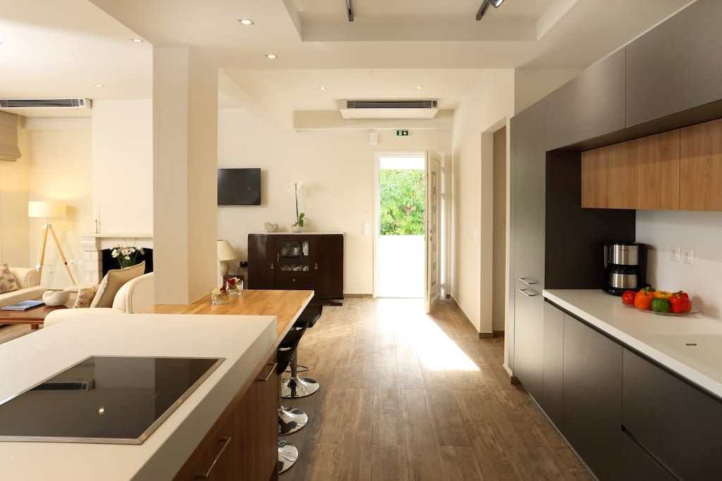 Kitchen / Indoor Dining