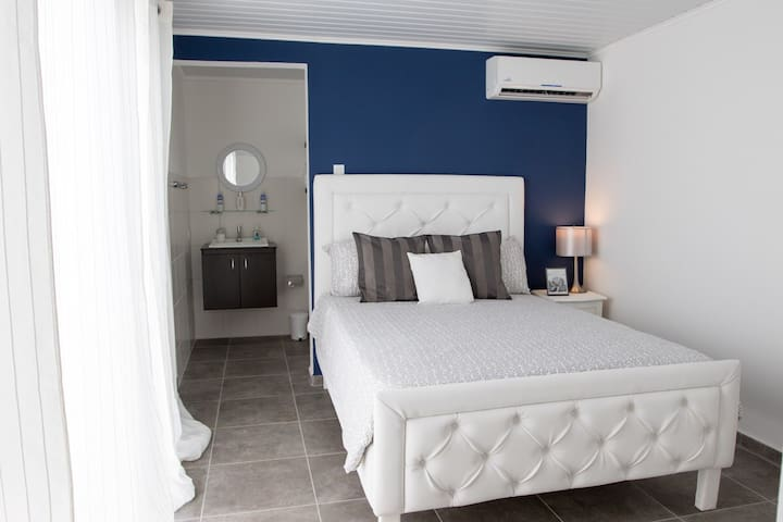 NEW LOCATION !!! Zoe Resort-In heart of Oranjestad - Oranjestad - Apartamento