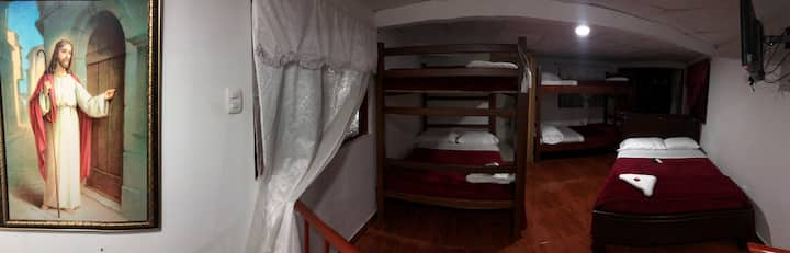 Cabaña para 8 personas con sala privada y 2 baños