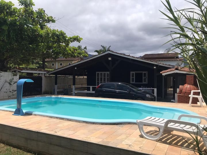 Casa em Ubatuba Maranduba com piscina