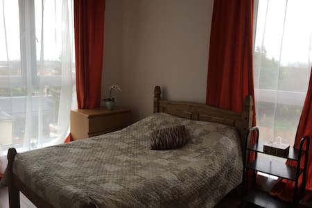 spacious, comphy, clean  bedroom - Edimburgo - Apartamento